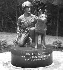Dog war memorial1